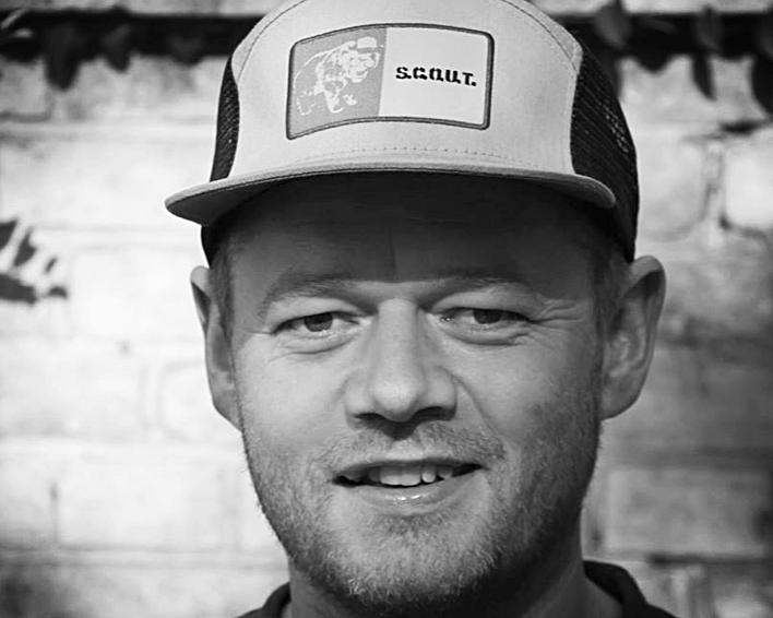 MIKKEL IVERSEN  BESTYRELSESMEDLEM  Mikkel er en frivilligkoordinator med Actionaid Danmark og organisator for DIY Festival på # BurningMön.
