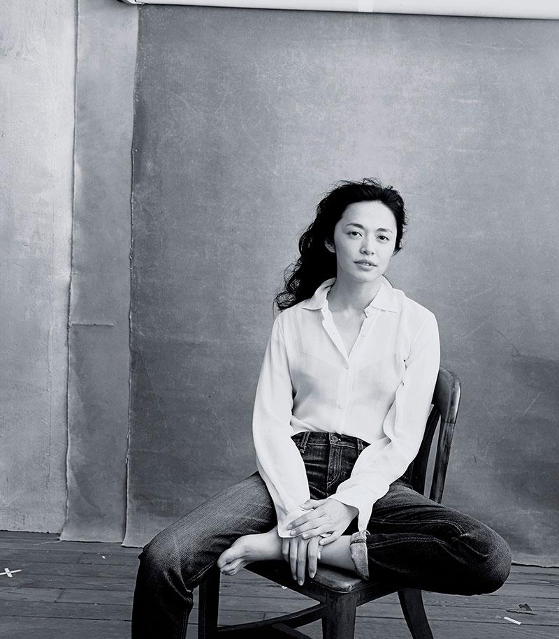 Annie Leibovitz   -Yao Chen, the first Chinese UNHCR goodwill ambassador, 2016 Pirelli calendar