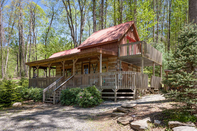 18769 NC209 Hot Springs NC-small-002-27-IMG 3994-666x444-72dpi.jpg