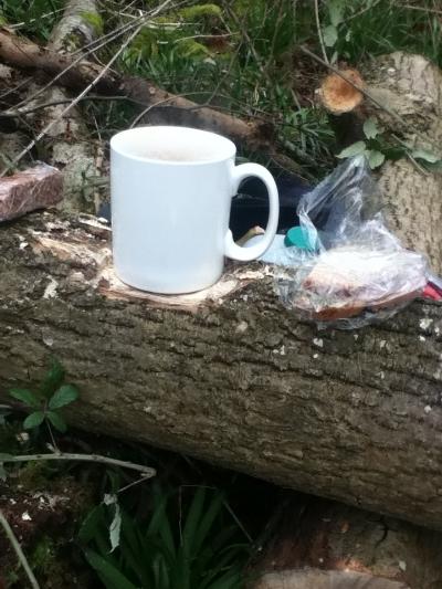 big mug (on a fashioned mug rest) & brew kit ready