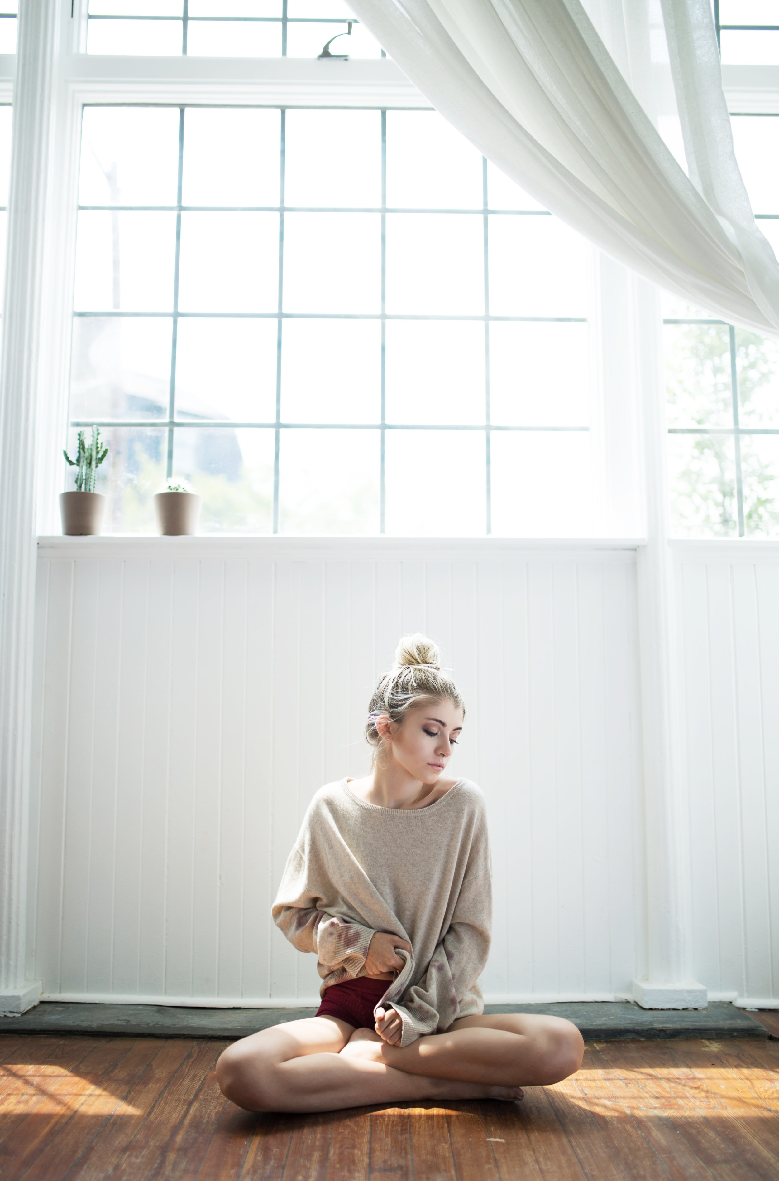 BLOGGER  KENNEDY DAWN  STYLED BY ALEXIS CORRY  PHOTOGRAPHY BY  MERRITT LEE