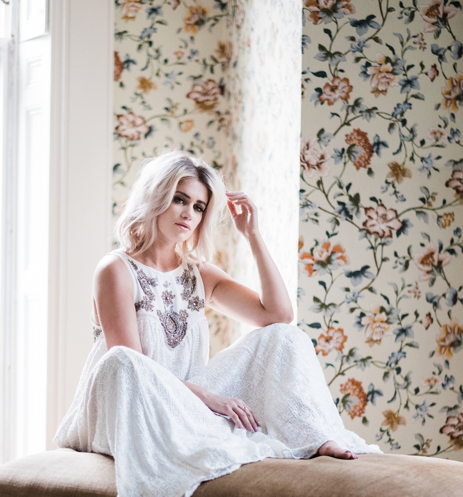 STYLING AND SET DESIGN BY ALEXIS CORRY  MODELED BY  BLOGGER KELSEY BREISINGER   @KELCLIGHT   PHOTOGRAPHY BY  MERRITT LEE
