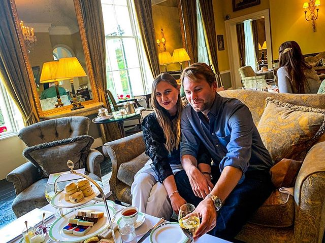 Tea time with my hubby and @merrionhotel 💘 @lexandzachtravel  #lexandzach . . . #worldtravelbook #travelanddestinations #travelersjournal #cameragirl #prettylittletrips #femaletravelbloggers #smilesallday #darlingescapes #travelcouple #exploretocreate #darlingdaily #wanderlustinlove #hightea #luxuryhotel #dublinhotel #themerrion #highteatime #teafortwo #timefortea #merrionsquare #lovedublin #visitdublin