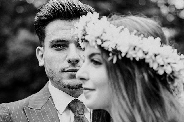 our engagement session with these beauties was 🔥 ⠀⠀ #thebuitragos #shootandshare #welivetoexplore #naturesbeauty #naturelover #welovelight #nurembergweddingphotographer #nürnbergfotograf #engagementphotoshoots