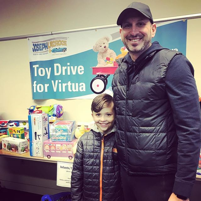 Great day donating toys to #virtuahospital #givetoothers @lacrocefoundation #greattime #donations #donatetoday #holidaygiving #toysforcharity #donatingtoys