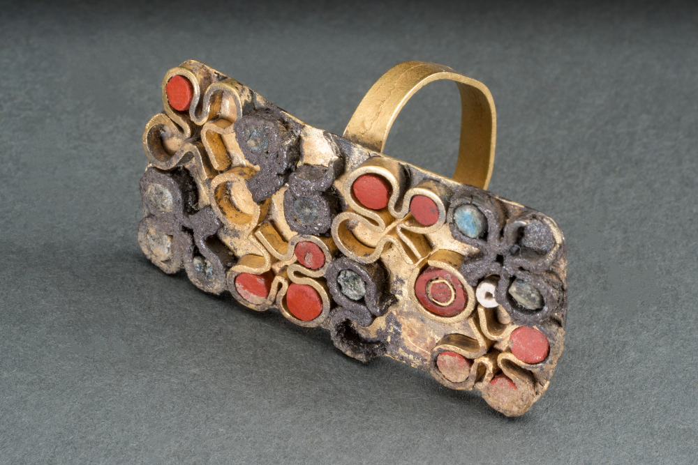 Gem-set ring - Gold with coral and precious stonesHarappan period, 2000–1700 BCPur village, Bhiwani Khera, Haryana, IndiaHaryana State Archaeology and Museums