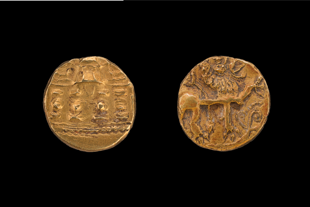 Chalukya coin - GoldAbout AD 650–700Karnataka, IndiaNational Museum, New Delhi (59.152/1)The lion with his raised paw on the front of the uninscribed Chalukyan coin is symbolic of kingly power, while the temple on the other side is an indicator of Hindu faith. Several trading guilds emerged during the period of the Chalukyas (about AD 543–566). The most famous of them was the Chalukya consortium, a league of '500 lords of Ayyavolu', that hailed from their capital at Aihole in Karnataka. These trading consortiums were instrumental in spreading Hindu religious ideas in Southeast Asia.