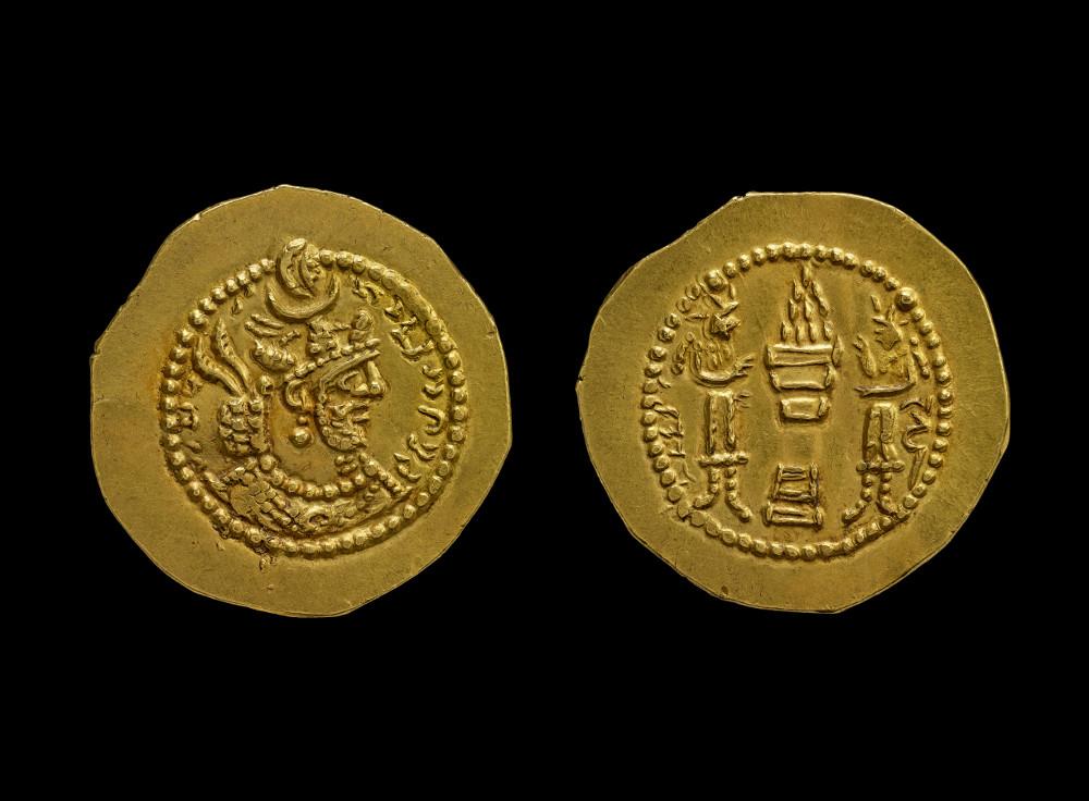Sasanian coin of Shapur II - Sasanian coinGoldAD 438–457IranBritish Museum