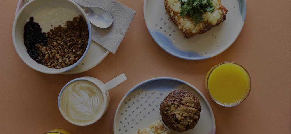 Dans les petites poteries, les meilleurs cafés. -