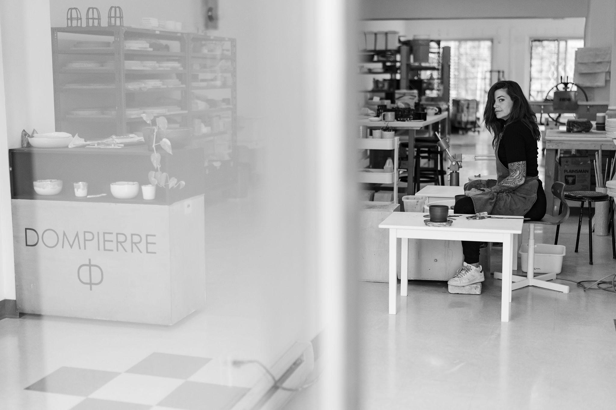 Marie-Ève Dompierre dans son nouvel atelier de la rue Jarry.