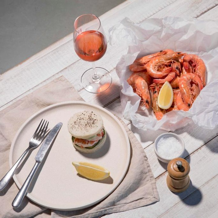 North Bondi Fish – after a day at Bondi, nothing better than the 10 meter stroll to North Bondi Fish – amazing food (soft shell crab sliders a must), and no better way to see in the evening than outside on the balcony overlooking the sand… -