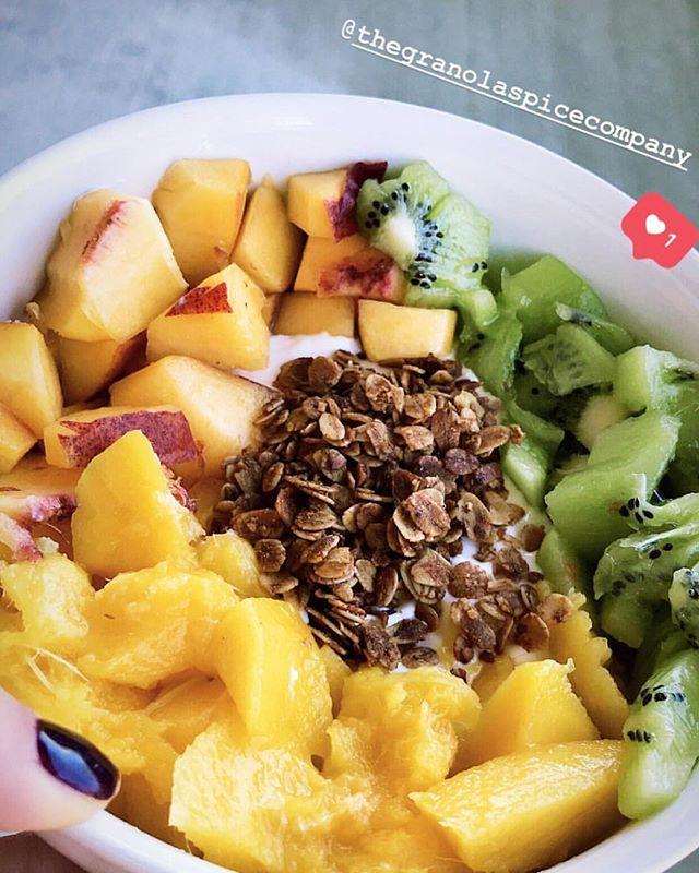 #repost morning bowl 🌞 con nuestra #cocoymarañón 🌴 ¡feliz sábado! #thegranolaspicecompany