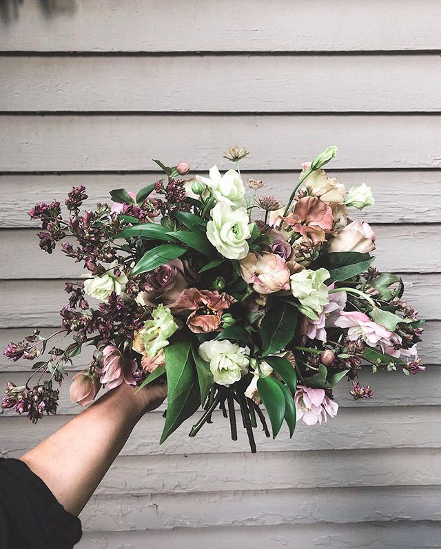 Found another great image from the depths of my iPhone camera roll. This sweet little bouquet was from a wedding I did this summer 😎 . . . #flôri #flôridesigns #alabamabride #alabamaweddings #southernbride #bridal #wedding #bouquet #weddingday #brideandgroom #fineartflowers  #fineartwedding #luxuryfloraldesign #flowersofinstagram #flowergram #florenceal #florencewedding #floralfix #floristreview #oncewed #fineartflorist #weddingflowers