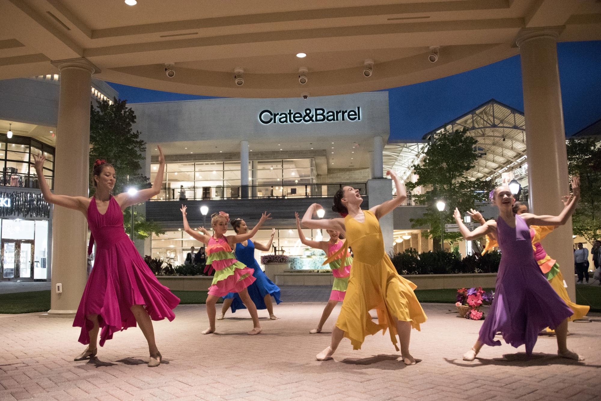 117 Latin Ballet Culture Works [Tom Topinka] 10-12-17 .jpg