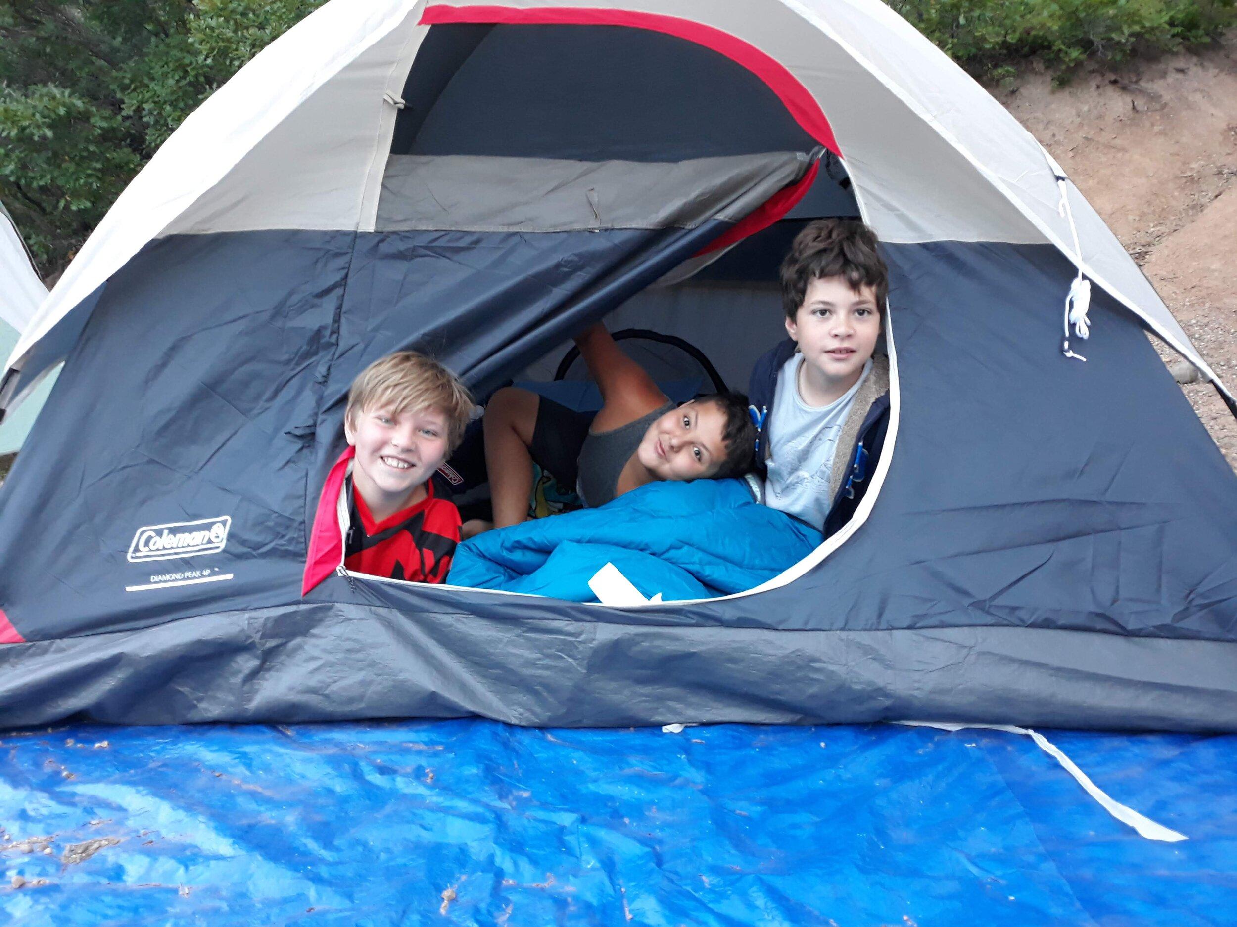 Tent mates