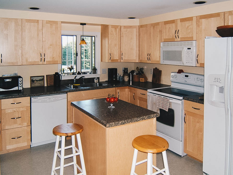 LessTime - Typical kitchen refacing jobs are completed in less than one week.