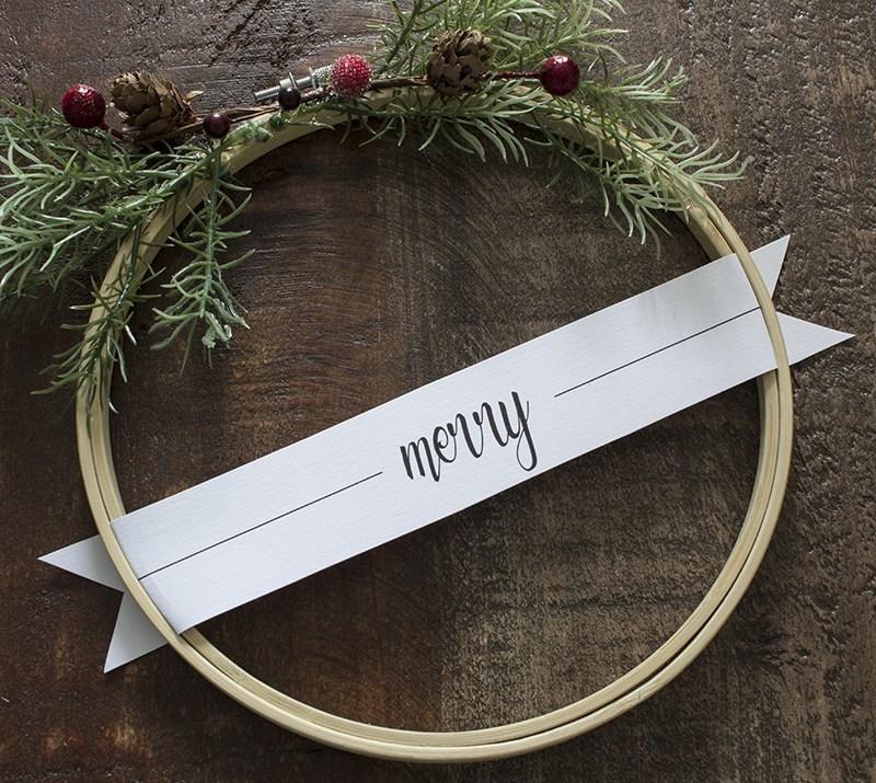 Merry-Christmas-Embroidery-Hoop-Wreaths.jpg