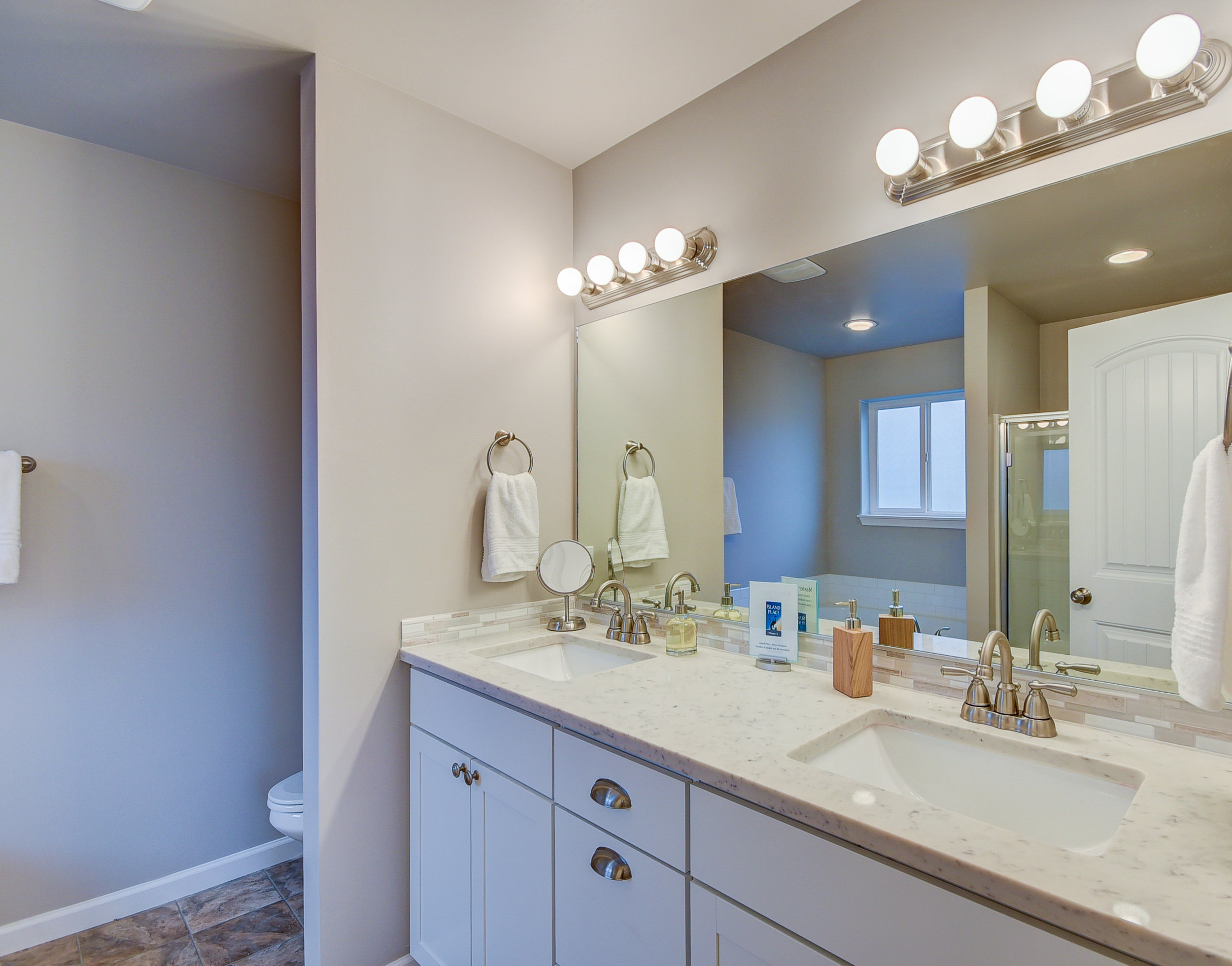 Master bath with quartz counter-tops (which is standard), & dual vanity (that is an upgrade)...