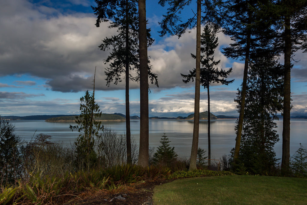 017-3437GreenRoad-OakHarbor-WA-98277-small.jpg