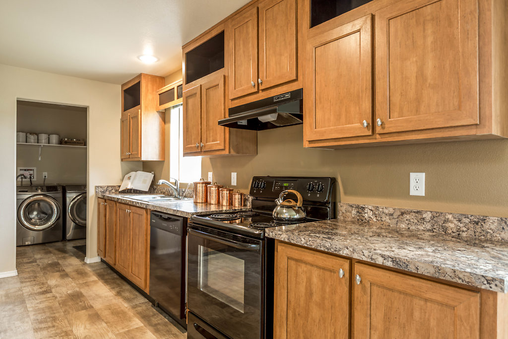 I love this kitchen! Look at all of the storage!