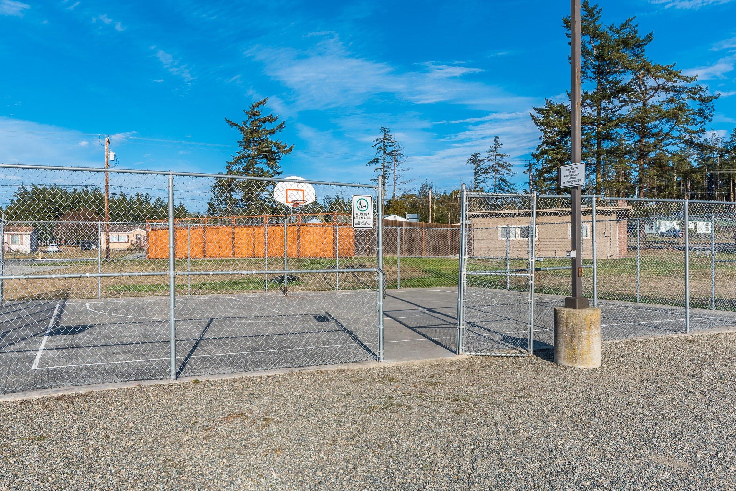 Community amenities galore!