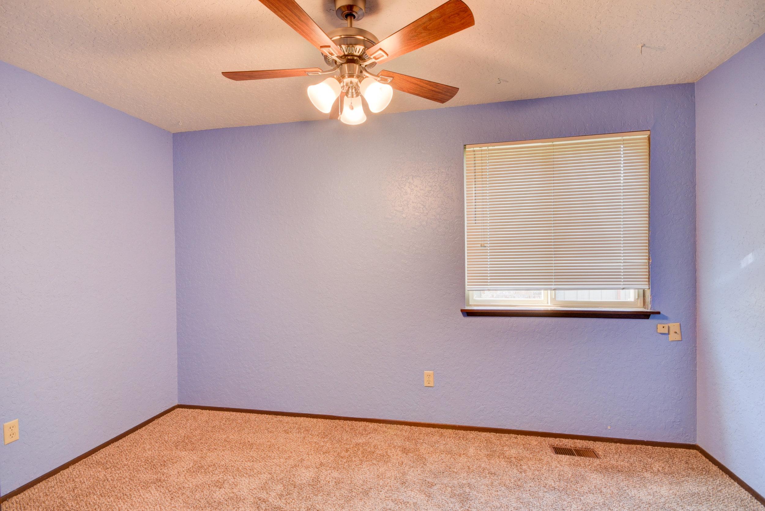 2nd bedroom...