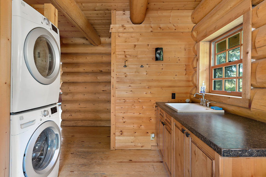 Fabulous utility room with deep sink & storage….