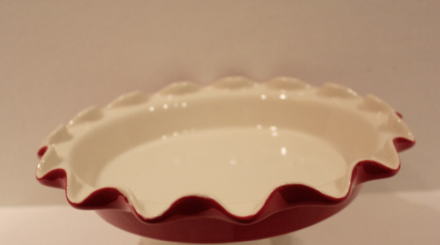 scalloped rim for Rose's perfect pie plate.jpg
