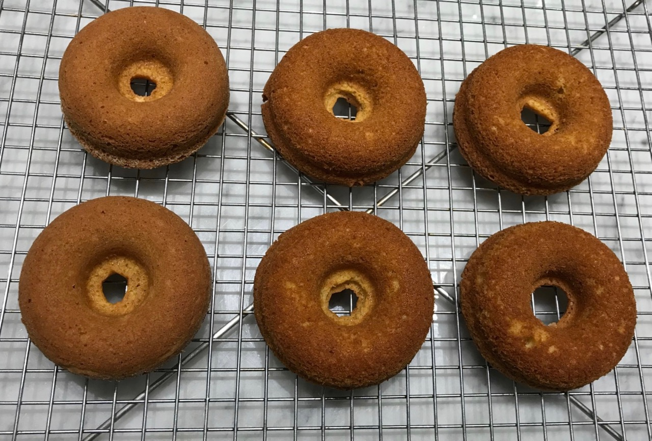 TIGHTER GRAIN FOR THE SIDES OF THE DOUGHNUTS ON THE LEFT