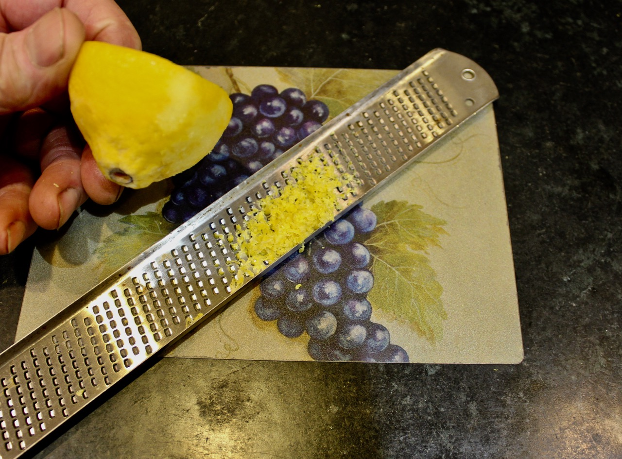 easy to hold lemon when frozen