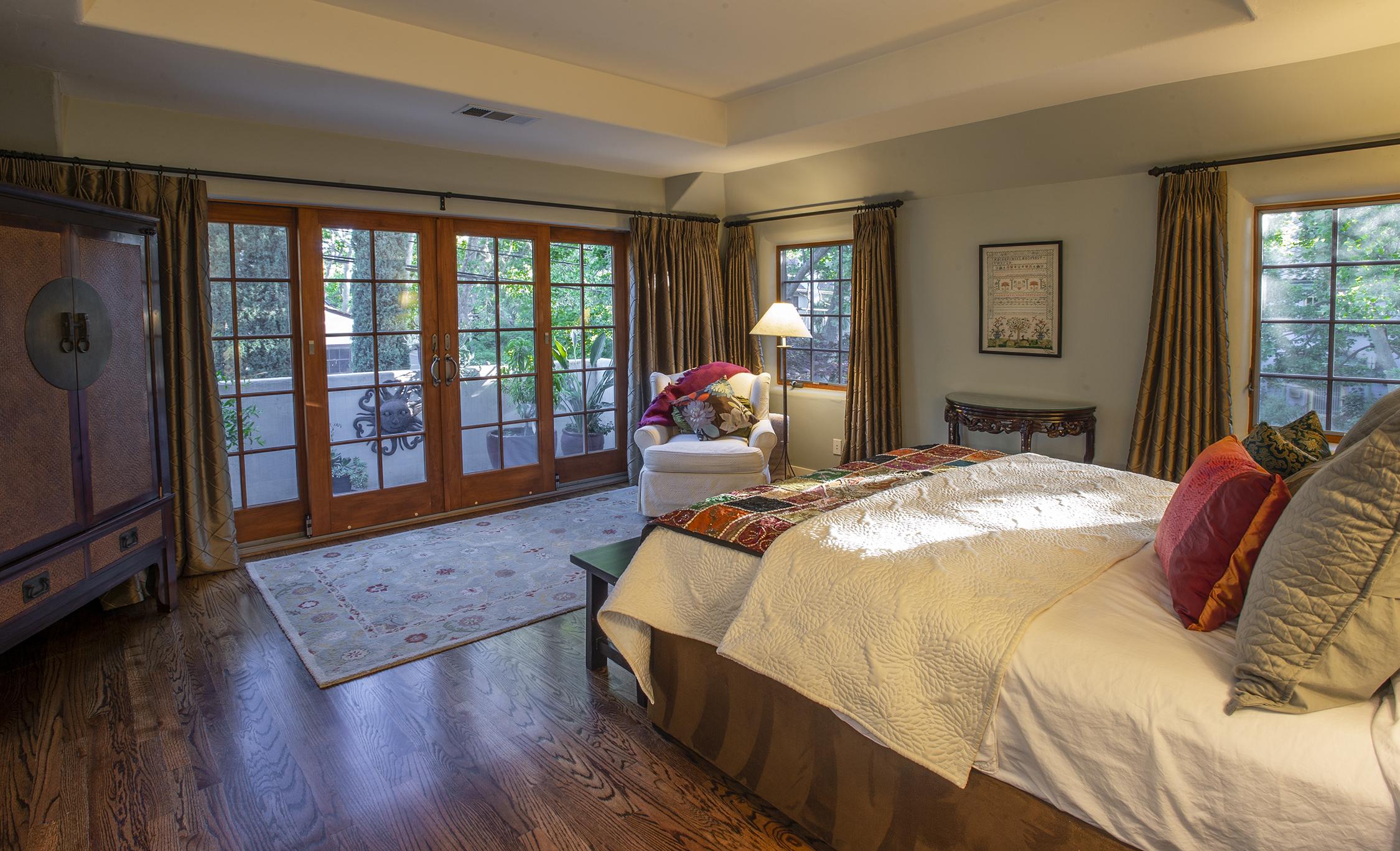 5,Master bedroom.jpg