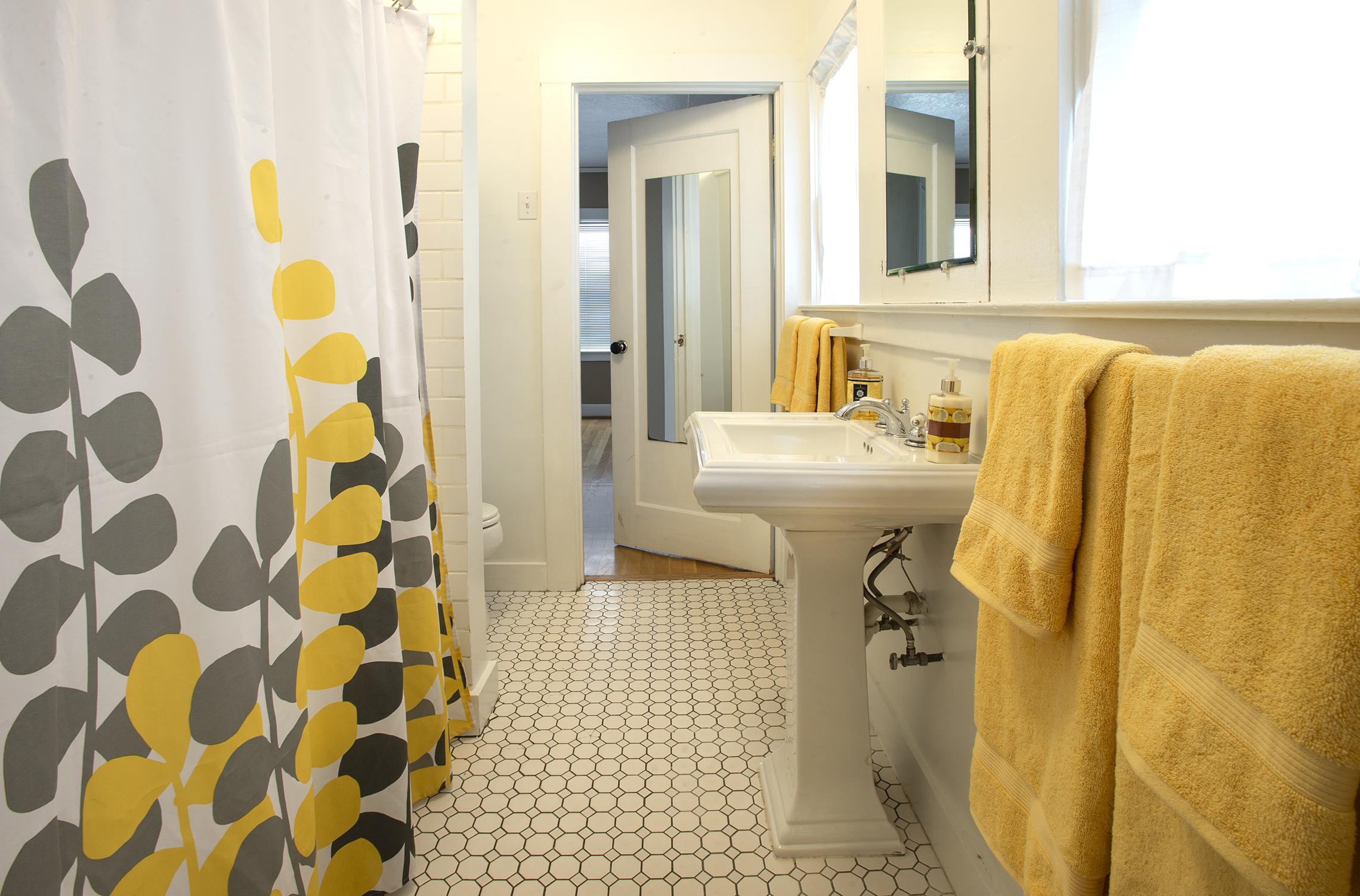 41st,Bathroom.jpg