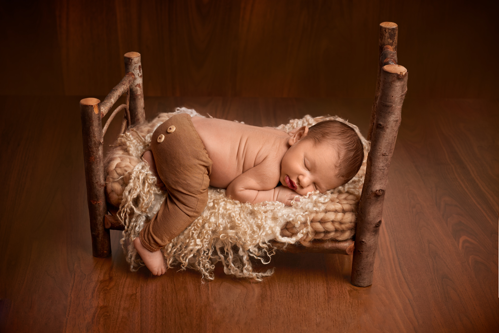 newborn posing Grenoble