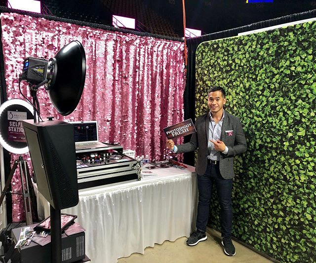 Closing out the weekend representing @showpowevents and @photoshootfreshdc at the @wedexperience at @eaglebankarena in Fairfax til 4pm. Having a blast talking to couples in person about what they're looking for for their special days. If you or know someone looking for a wedding DJ or Photo Booth, feel free to send them my way! Hope everyone is enjoying their Sundays! #djphlipz #showpowevents #photoshootfreshdc