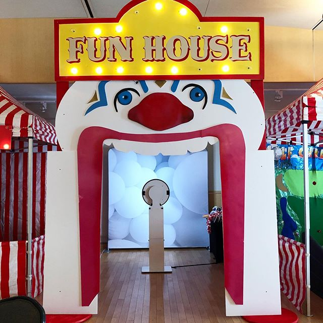 "Up early on Sunday to rock our first event today with @arjproductions! Ari did an amazing job turning the Sherwood Center into a carnival themed B'Nai Mitzvah. Check out our ""fun house"" selfie station setup with white balloon backdrop and a sample gif when you swipe ⬅️. Send us a message if you're looking to make your next event ""Photoshoot Fresh!"" #photoshootfreshdc #arjproductions"