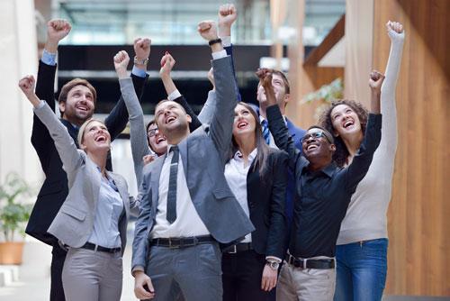 Si tienes una empresa y deseas que permanezca en el mercado.  Si eres ejecutivo con un equipo a cargo que deseas llevar a lograr mejores resultados.