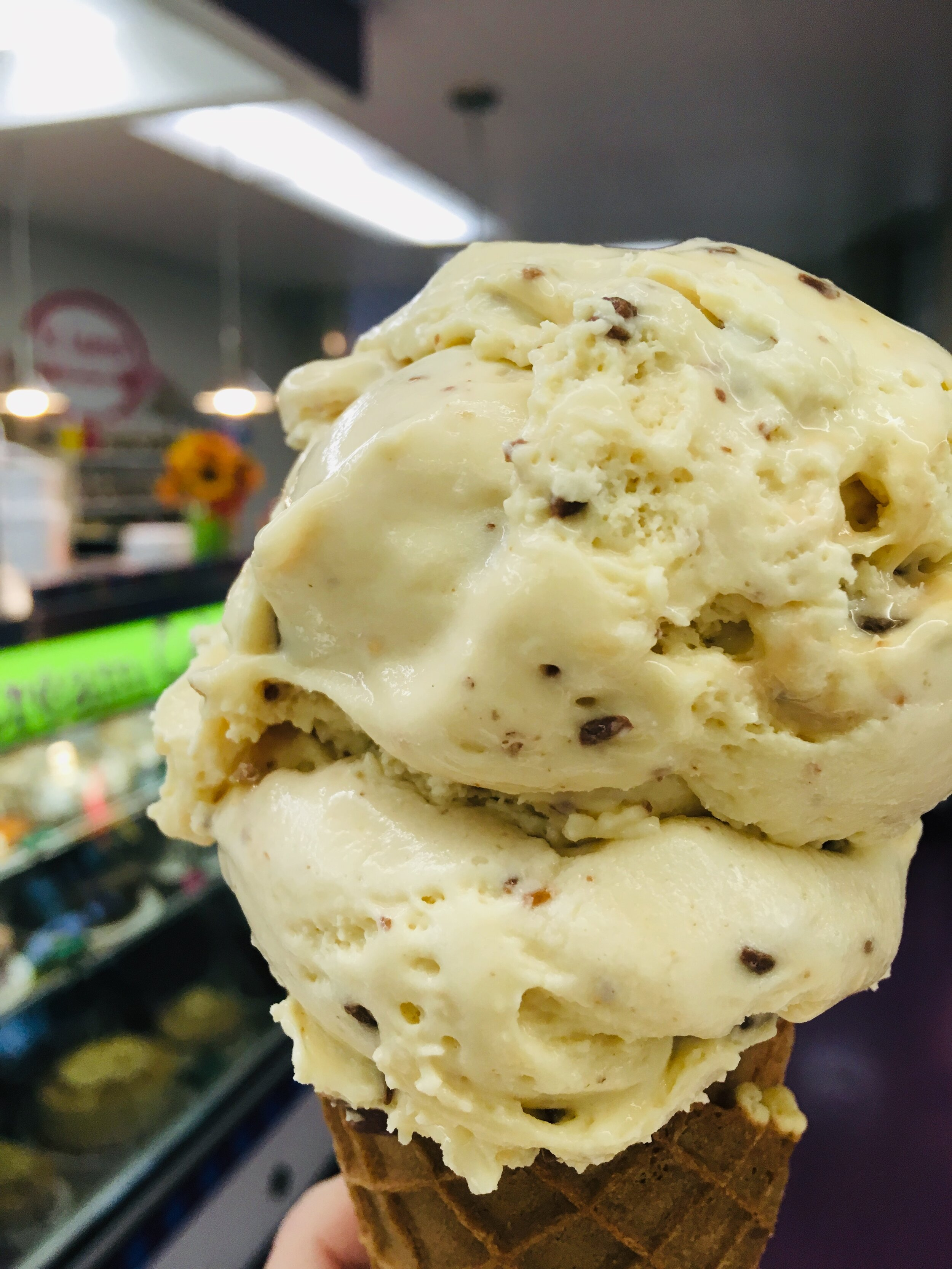 SALTMINE DETROIT - Caramel ice cream filled with salt, locally roasted fresh pecans and chocolate covered toffee pieces. One of our best sellers.