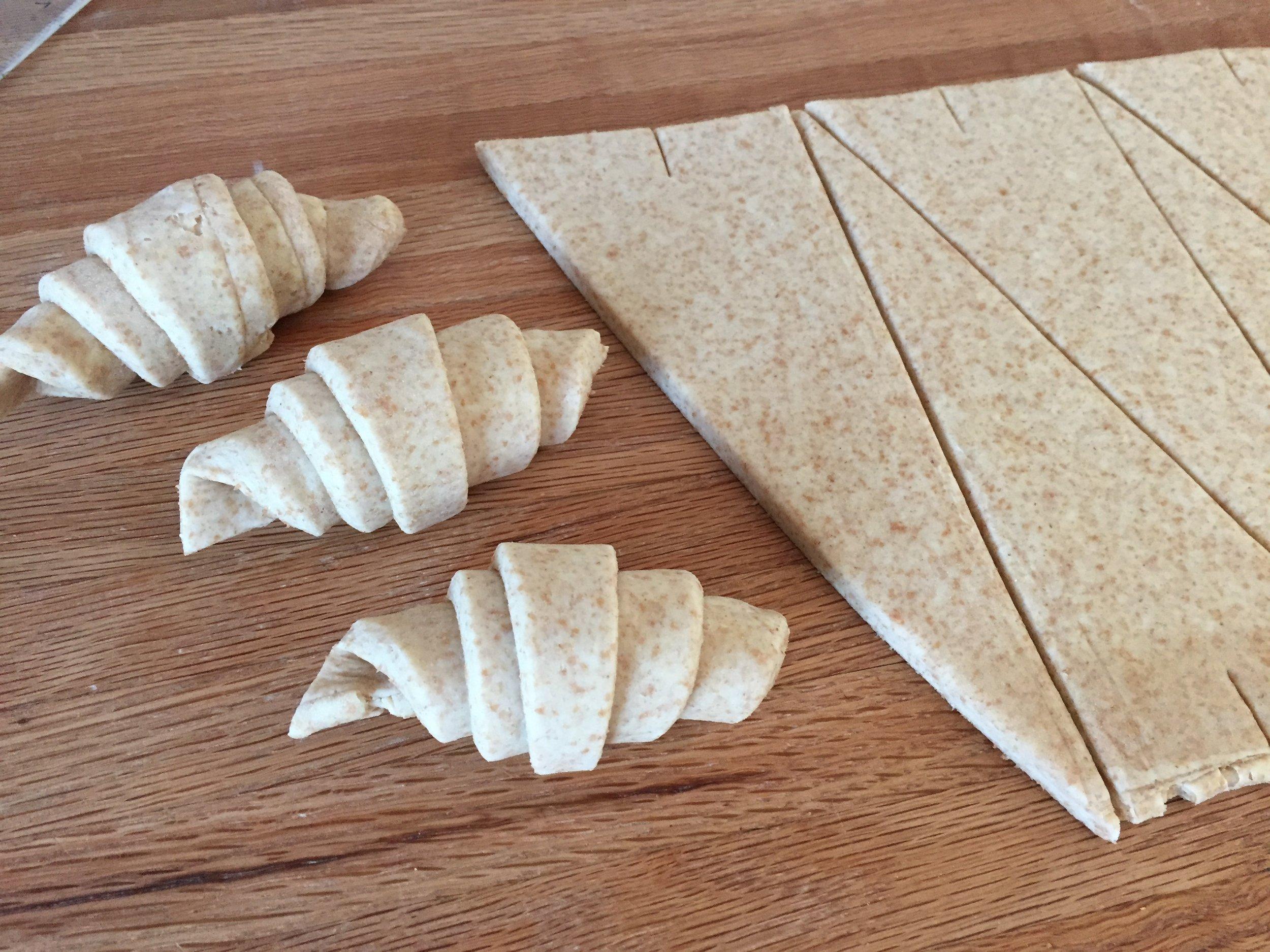 Shaping the spelt croissants