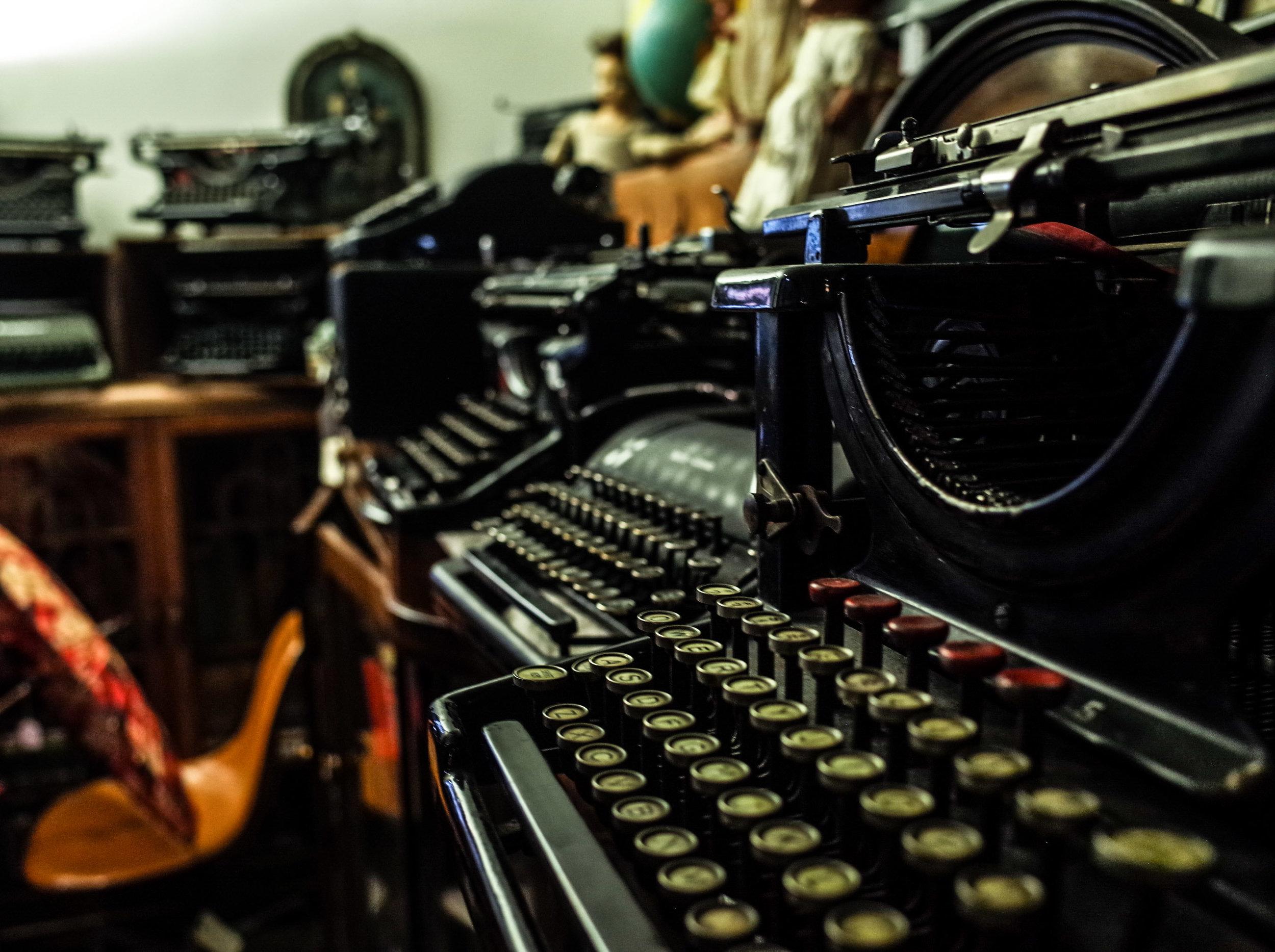 typewriter-for-sale-vancouver.jpg