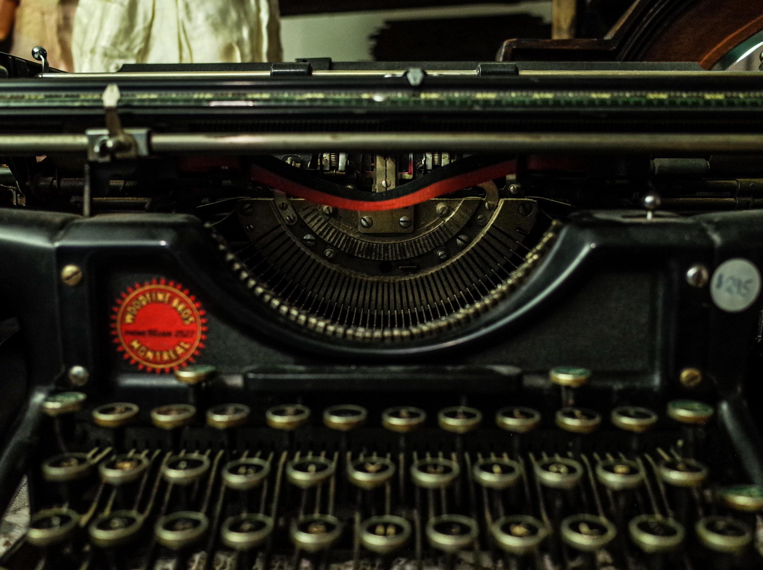 typewriter-keys.jpg