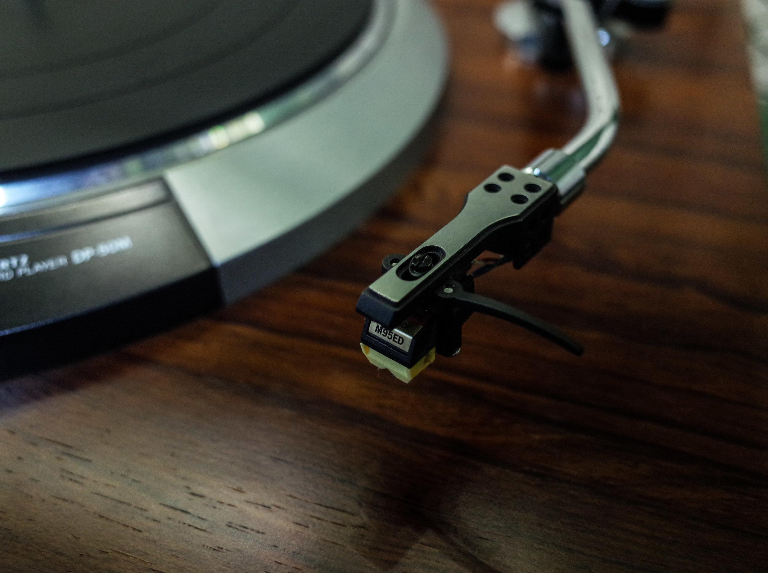 record-player-stylus.jpg