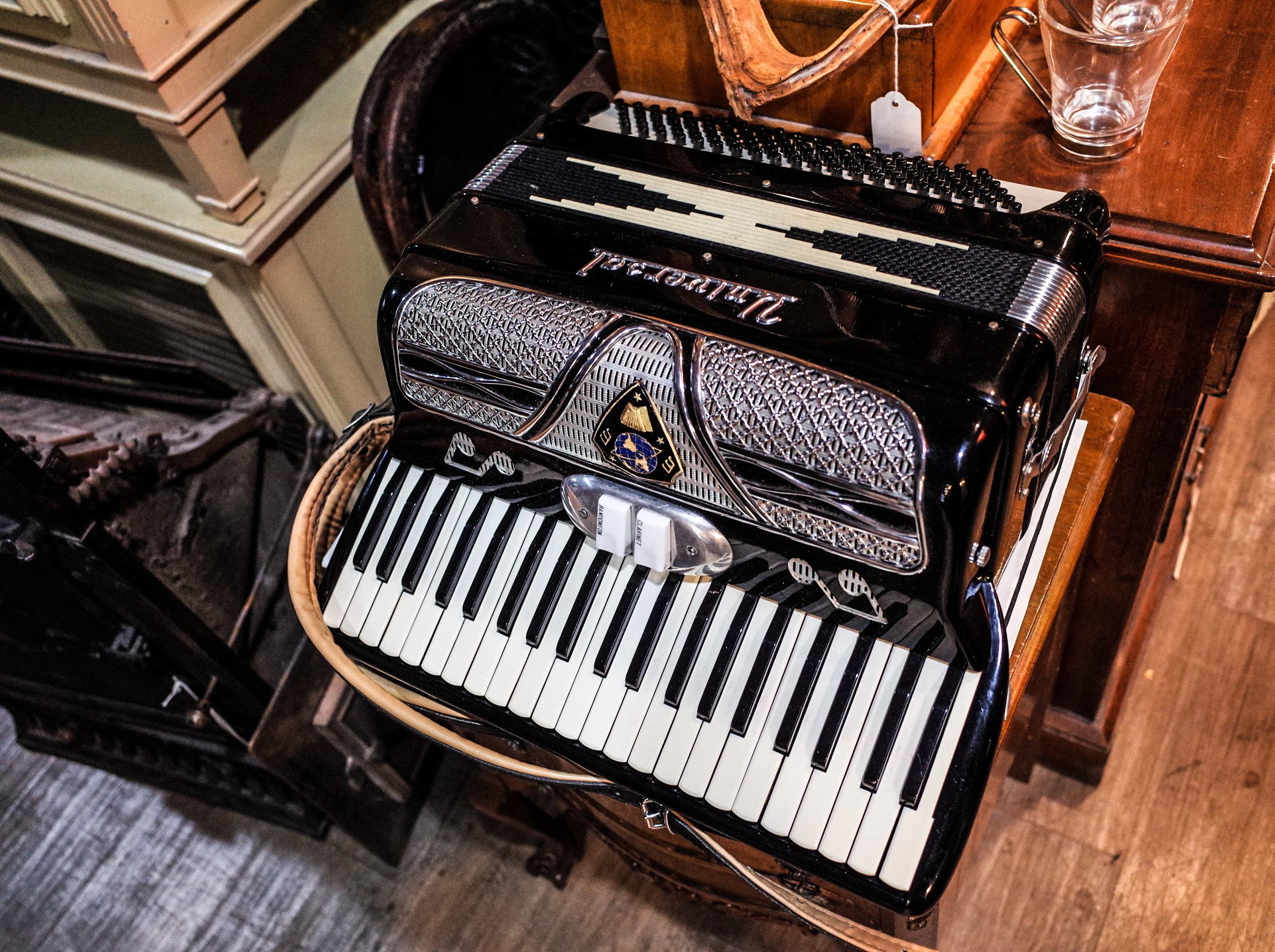 universal-accordion.jpg