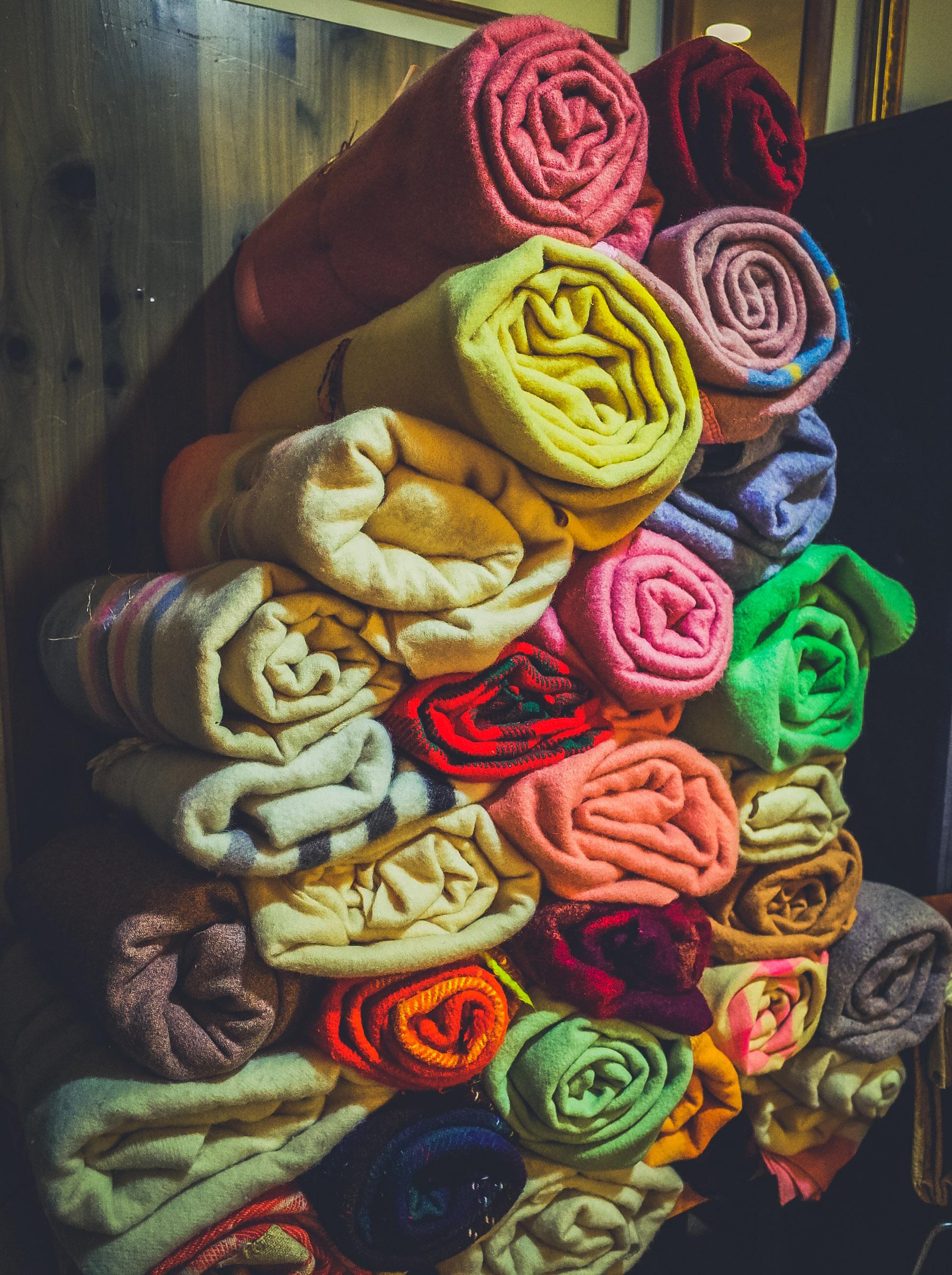 vintage-wool-blankets.jpg