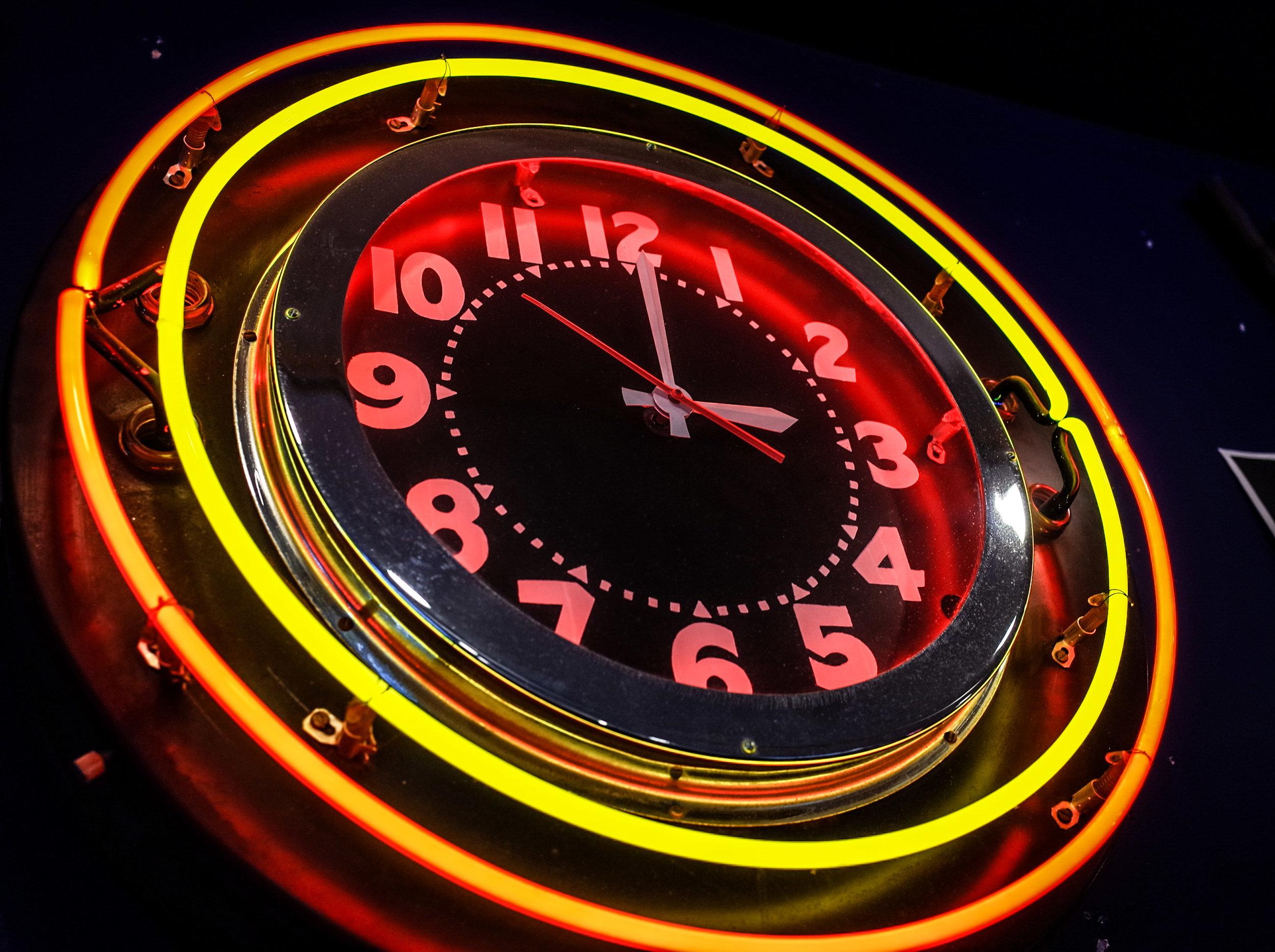 neon-clock.jpg