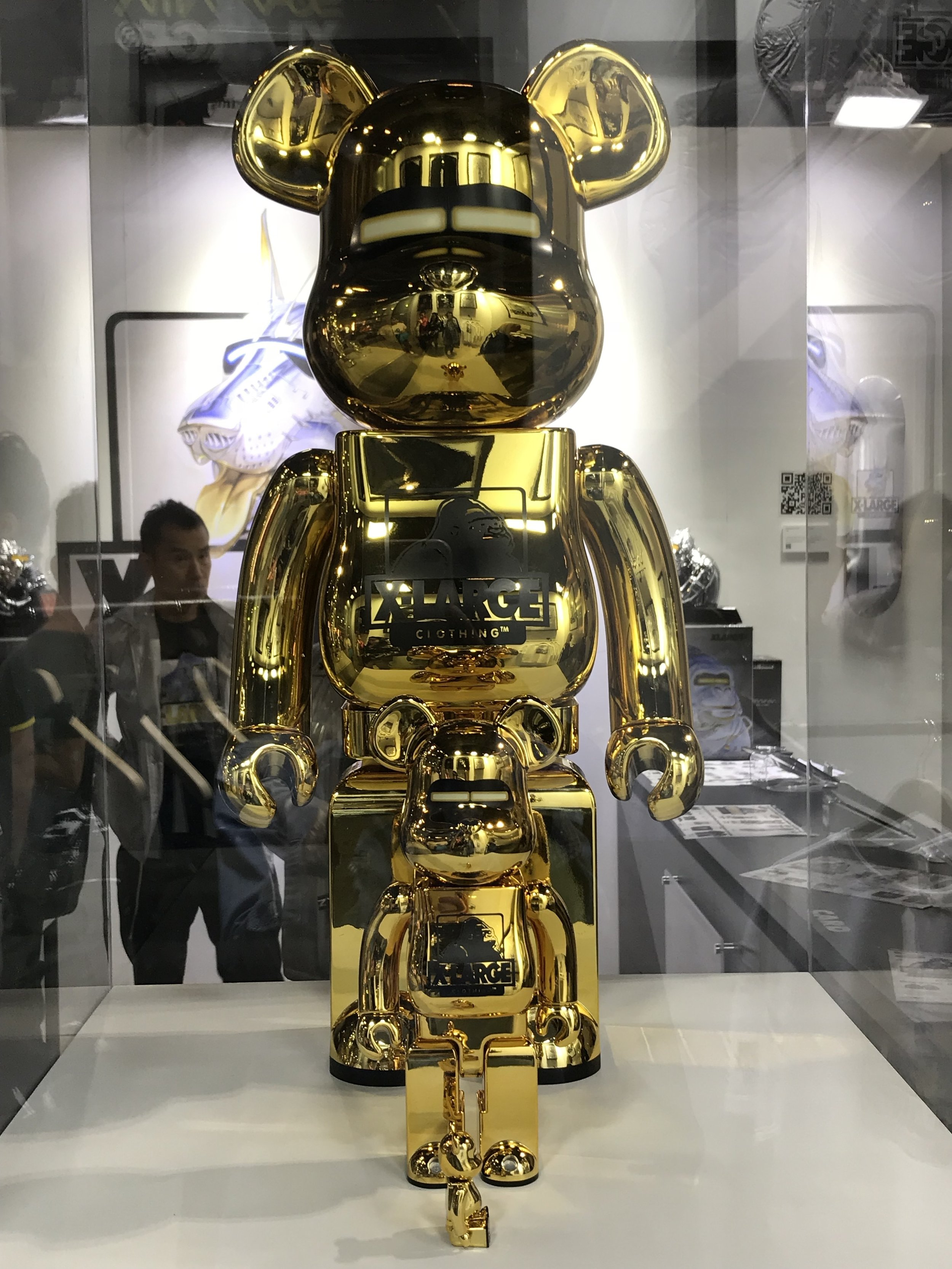 "A triple collaboration with MEDICOM TOY. Shiny metal-body BE@rRBRICK, resembling Sorayama's ""Sexy Robot""."