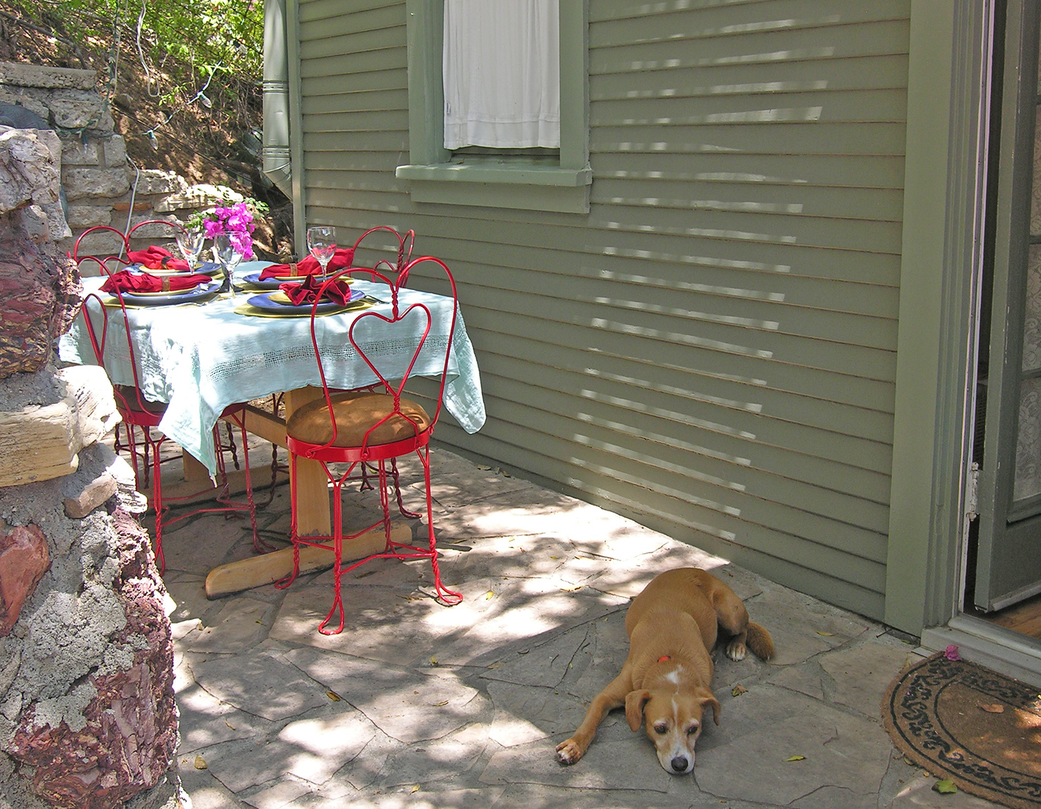 Lower_Patio_Table_8_1500.jpg