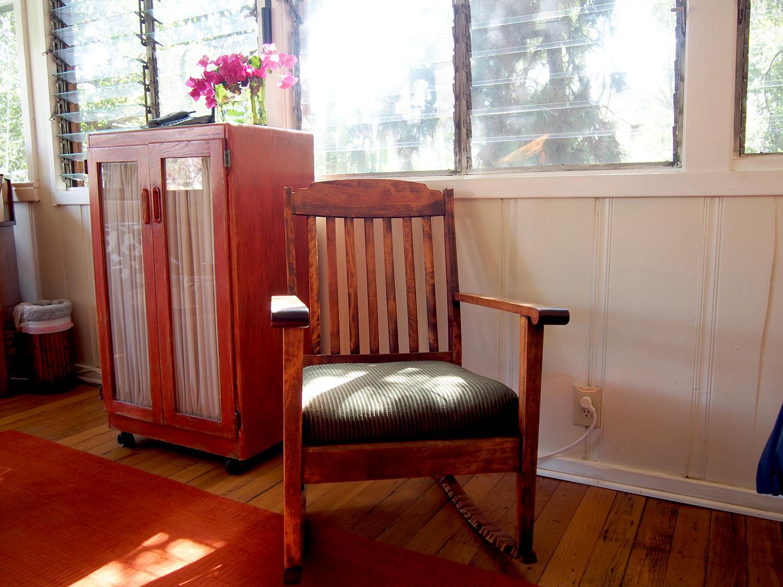 TH_1_Rocking_Chair_1500.jpg
