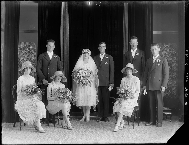 Swainson's Studios, Orwell, Wedding (1923-26), collection of Puke Ariki (SW1923-1930.00062).