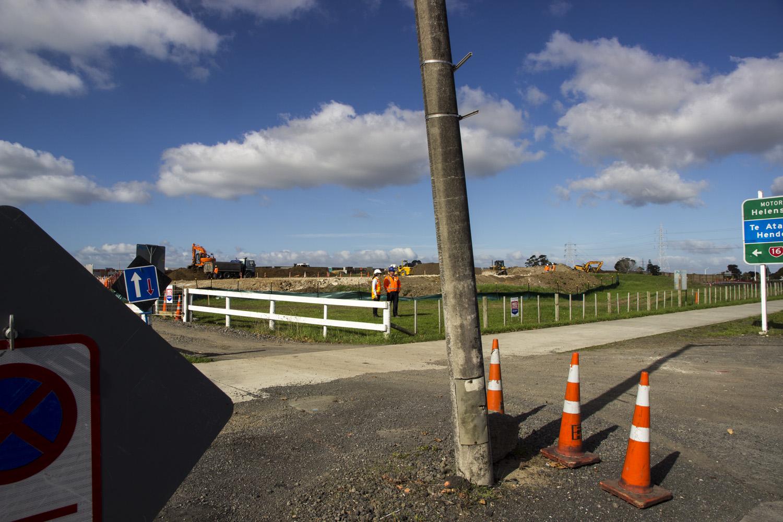 Earthworks, Te Atatu Road, Te Atatu Peninsula, 29 April 2013. (JBT©20130429_0070)