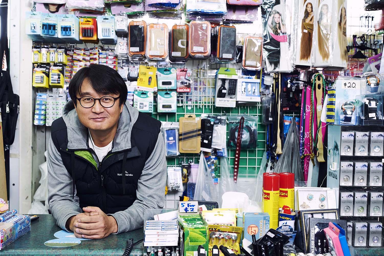 Vinesh Kumaran, Sam Sung, 1,2,3 Dollar Shop, 2019